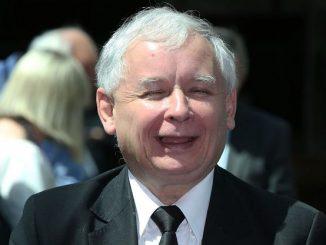 Kaczyński z HIPER podwyżką emerytury! Sam sobie ją przyznał