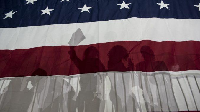 USA: Tysiące zwolenników odwracają się od republikanów