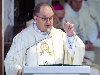 Prezydent OLAŁ Rydzyka! Wstydzi się za zakonnika? Straszne upokorzenie w Toruniu
