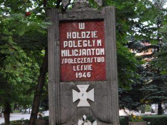 Naczelnik z rzeszowskiego IPN usuwa upamiętnienia polskich żołnierzy walczących z UPA. Prof. Zapałowski: to depolonizacja
