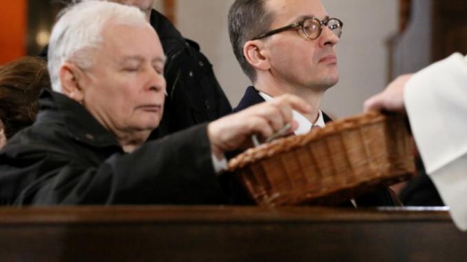 Politycy oddali Polskę Matce Boskiej