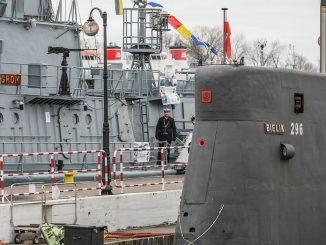 Tak Mariusz Błaszczak chce ratować Marynarkę Wojenną. Ekspert załamuje ręce