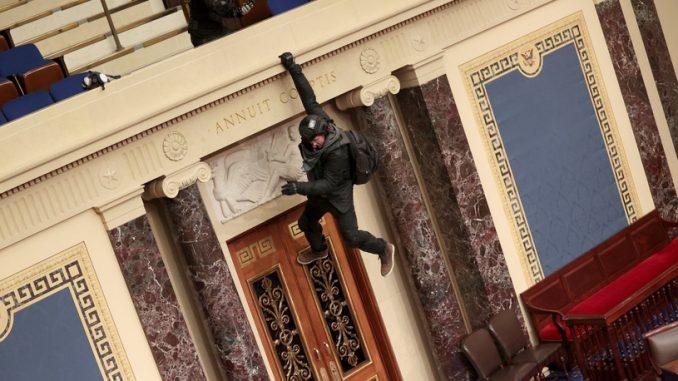 . Po ataku na Kapitol wielu funkcjonariuszy straży chce odejść z pracy
