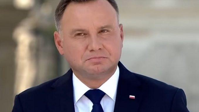 Senatorowie przekreślili marzenia prezydenta Andrzeja Dudy. Nie dostanie złotego łańcucha