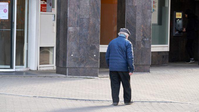 Polacy przestali się spieszyć z przejściem na emeryturę