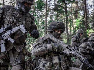 wcisnął wojsku chińskie kompasy