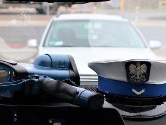 oficer policji spowodował kolizję