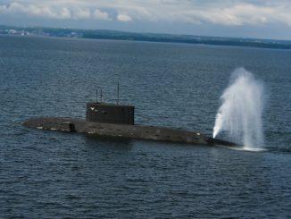 Orzeł z niesprawnymi wyrzutniami torped