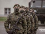 """Żołnierze zmuszani są do szczepień. Ci którzy się nie zgodzą, są """"poddani represjom"""""""