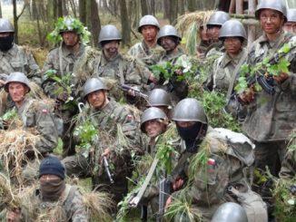 Ilu żołnierzy przychodzi i odchodzi z wojska
