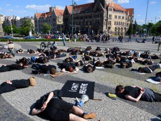 https://wiadomosci.gazeta.pl/wiadomosci/7,114883,27154611,w-poznaniu-powstanie-skwer-lecha-i-marii-kaczynskich-politycy.html