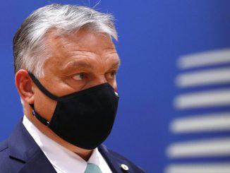 Orbán drwi z Unii