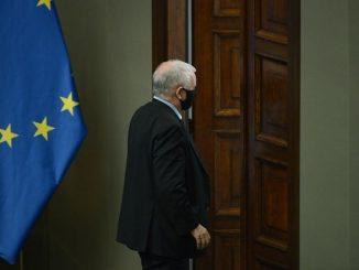 Jarosław Kaczyński oddaje pole. Wiadomo, kto zmierzy się z Donaldem Tuskiem