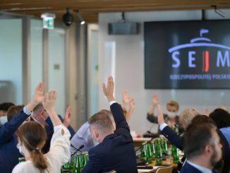 Sejmowa komisja przyjęła projekt z poprawkami