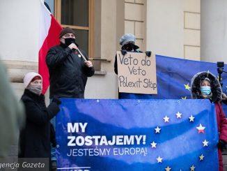 """""""Polexit byłby geopolitycznym koszmarem"""". Niemcy piszą o """"meksykańskim pacie"""""""