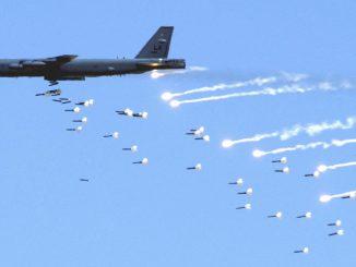 B-52 niszczą lotnictwo Afganistanu