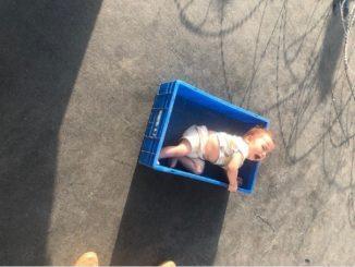 Rodzice, uciekając do USA, zostawili niemowlę na lotnisku