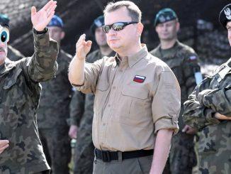 Gen. Skrzypczak: Błaszczak gra pod dyktando Putina