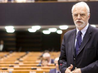 Co z miliardami z Unii? Czy Komisja Europejska je blokuje? Europoseł tłumaczy, jak jest naprawdę