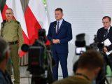 """Rząd robi z uchodźców terrorystów i zoofili. """"To gra w spektaklu Łukaszenki"""" – mówi były szef wywiadu"""