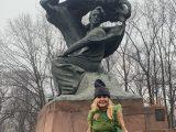Dzisiaj finał Konkursu Chopinowskiego. Monika Olejnik zapozowała przed pomnikiem Chopina i wbiła szpilę Morawieckiemu